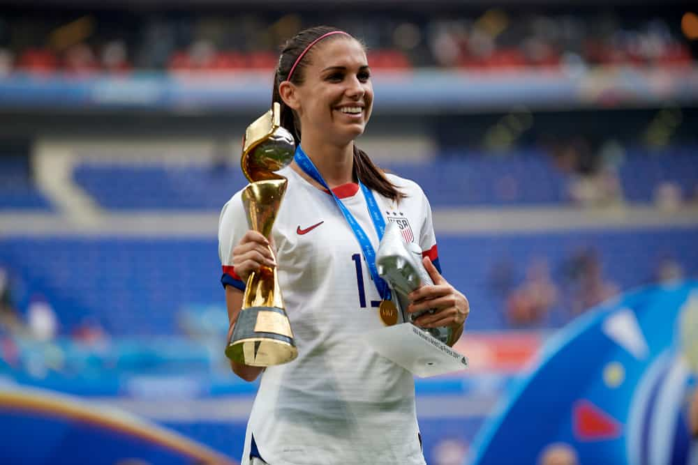 Alex Morgan pose whit trophy of winner after the 2019 FIFA Women's World Cup