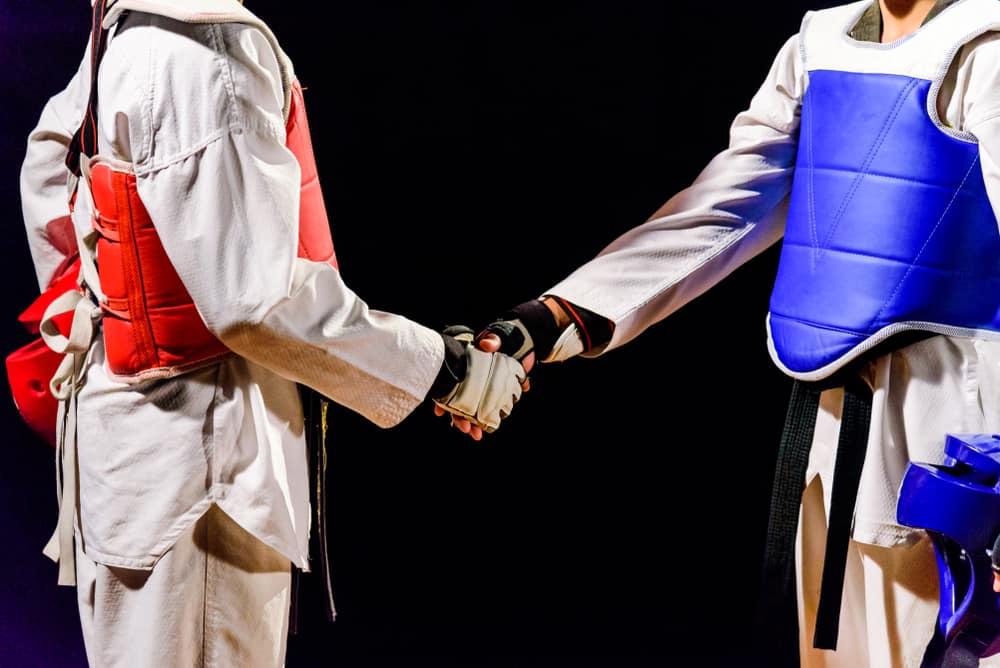 Two Taekwondo are handshake